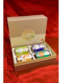 Premium Celebration Box (Almonds, Cashews, Pistachios, Indian Kishmish)
